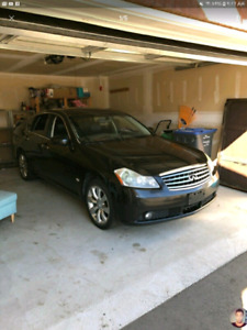 Hello i am looking to sell a Infiniti M35x AWD