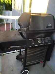 NEW PRICE - Broil King Natural Gas BBQ