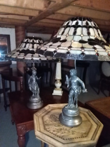 Pair of tiffany Signed statue lamps lampe vitrail