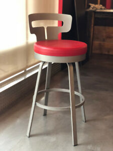 CHAISE - BAR STOOLS - TABOURETS
