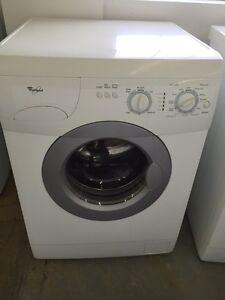 "Laveuse whirlpool mini 24"""