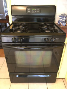 Frigidaire Gas Range in Good Condition (East Vancouver)