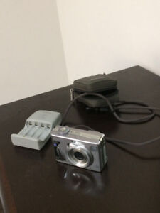 Sony Camera 5.1 Mega Pixel, Memory Card, Charger, Case