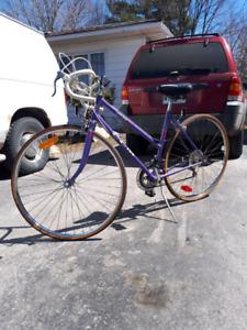 Vélo vintage 1983 CCM 2000 RACER