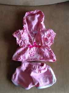 Build a Bear authentic clothing - Various outfits London Ontario image 5