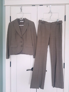 Ladies Suit (Ricki's)