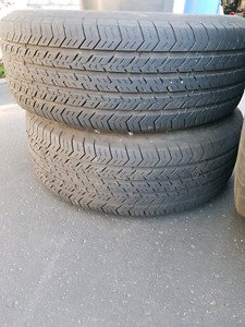 215/70/15 2 pneus + rims Michelin pour  Dodge Caravan