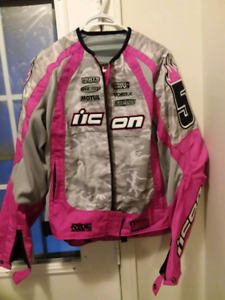 Women's icon sz L motorcycle jacket. Like new cond