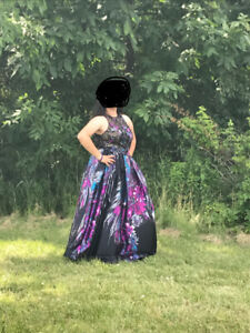 Prom or Graduation Dress - worn once! Size 10 with pockets!