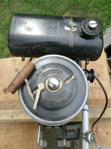 1968 Vintage British Seagull 40 Featherweight outboard motor Windsor Region Ontario image 4