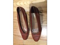 """Tritina dei Monti Real Leather Shoes Brown 39EUR- 6UK Barely ever worn - heel 2.5"""""""