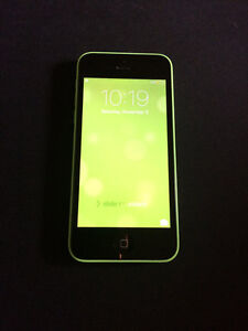GREEN IPHONE 5C price lowered! Great condition! Kitchener / Waterloo Kitchener Area image 1