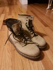Mint Condition Doc Marten Boots