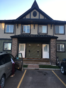 1404-140sagewood blvd.SW,Airdrie,town house for rent 1300.00