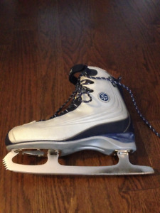 Barely Used Woman's Recreational Skates Sizes 7-8