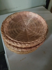 Wicker Trays/BBQ Accessories/Paper Plate Trays/Place Settings