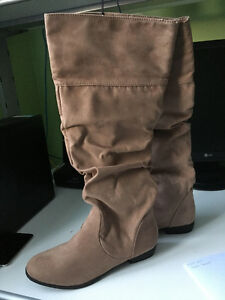 Barnd new tan Forever 21 boots