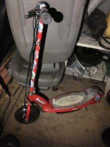 4 scooter trotinette e-100 e-125 razor new battery new controler