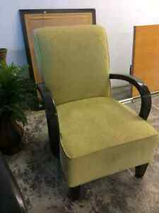 Nice Chair Available Belleville Belleville Area image 4
