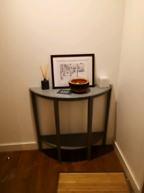 Small Hallway side table oval