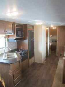2014 Heartland Pioneer 30QB Travel Trailer ***QUAD BUNKS*** London Ontario image 7