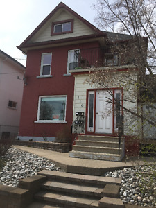2.5 bed Apt in Bay and Algoma Area