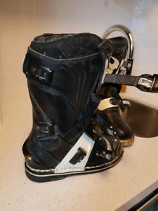 Dirtbike Boots - youth size 5