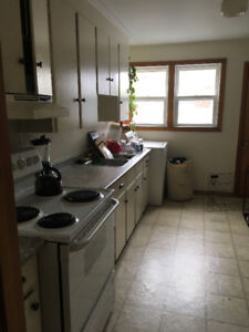 THREE Bedroom Flat 2 minutes from Hfx Shopping Center