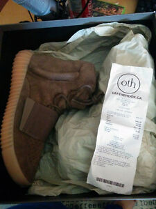 "Authentic Yeezy 750 boost ""Light Brown"" Kitchener / Waterloo Kitchener Area image 3"