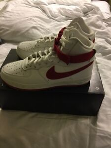 "DS Nike Air Force 1 white and Red ""nai ke"" size 11  Cambridge Kitchener Area image 5"