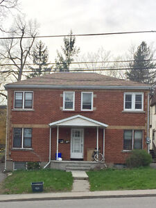 Queen's ALL INCL. rental by local owner EXCELLENT, SAFE LOCATION