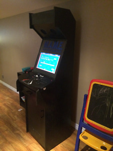 Arcade machine with MAME plays 1000's of games