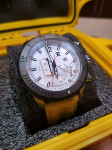 TX Timex linear titanium chronograph watch