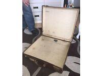 Vintage suitcase/briefcase