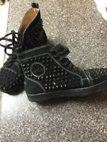 Spiked ladies boots black