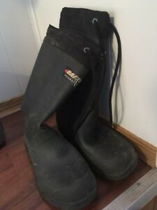 Boys baffin boots size 4