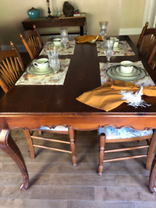 BOMBAY  Dining Table and Six Chairs