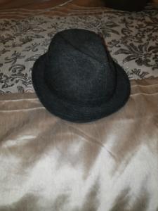 Luton 60cm Hat Diggers Rest Melton Area Preview