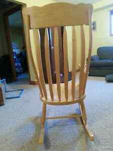 Excellent Quality Rocking Chair...reduced price London Ontario image 3