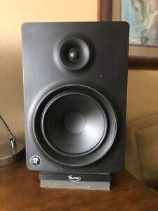 Mackie MR8 mk2 Studio Monitors