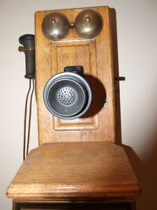 Early 1900's OAK WALL (crank) PHONE