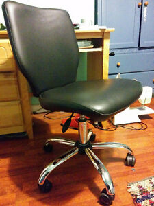 Excellent condition computer chair
