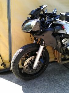 YAMAHA R6 2000 PARTING OUT Windsor Region Ontario image 4