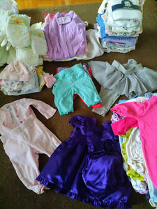 Babygirl 0-3 months clothes.. Lots!!