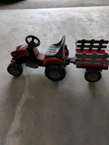 Peg Perego case III kids battery tractor and trailer