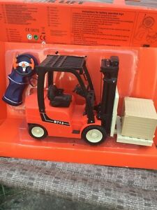 1/14 scale r/c forklift