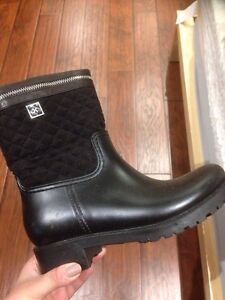 Brand new winter boots -size 7 never worn $65 OBO