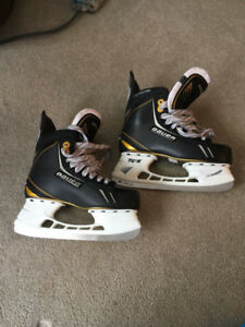 Bauer Supreme One.7 Junior Ice Skates Size 3.5D