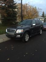 2007 Ford Explorer Limited only 81000 km, w/ third row seating