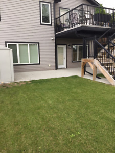 Sunny Walkout Two Bedroom Suite Stony Plain